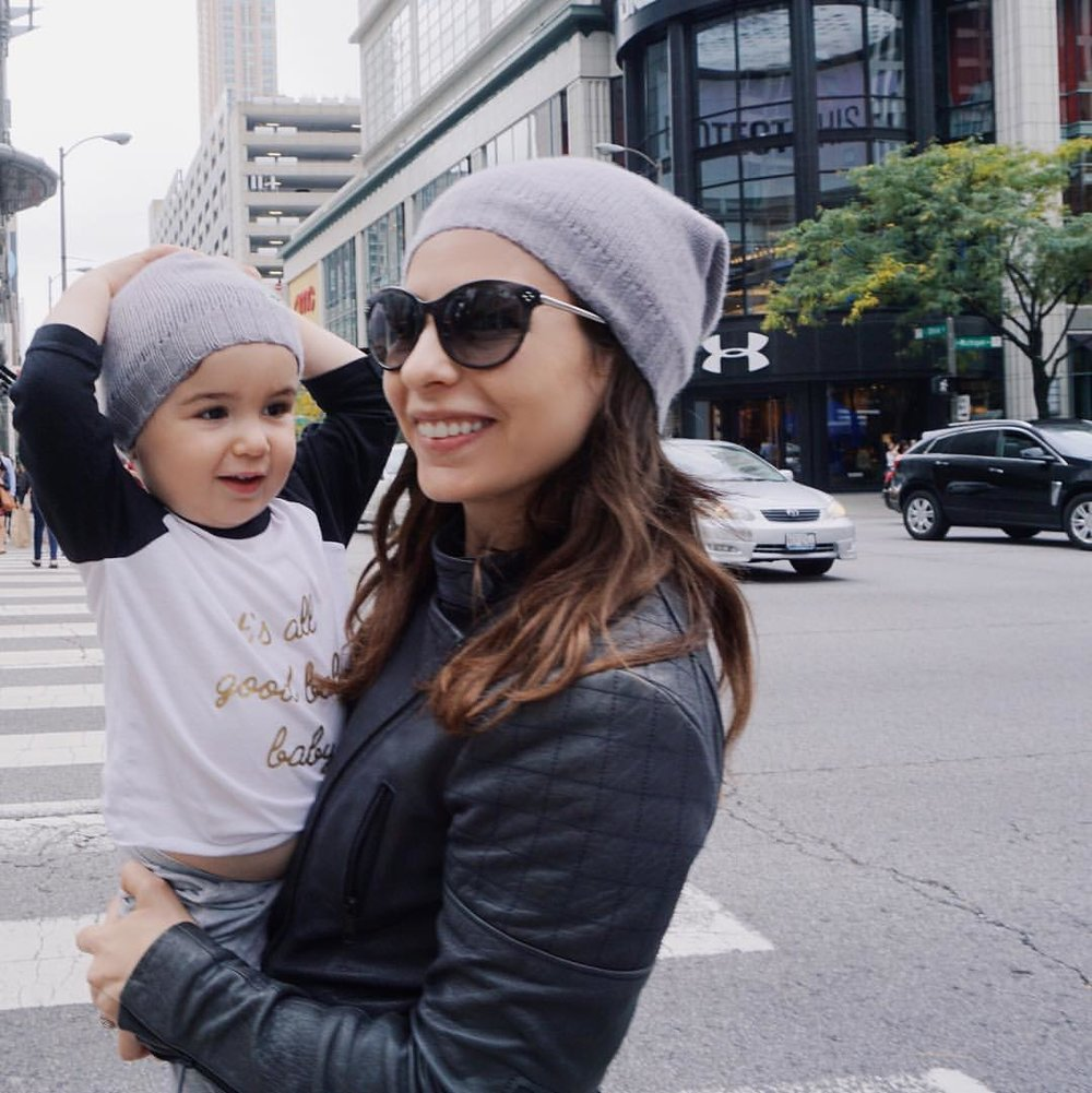 Twinning in Chicago in our MiniMains beanies.  Click here for my Chicago travel guide.