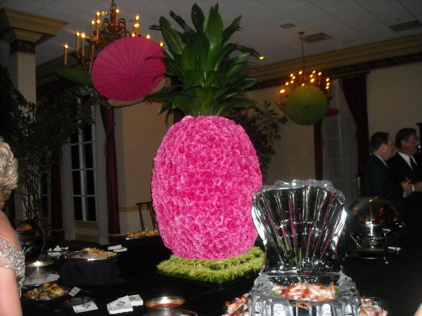 And a giant 6 foot tall pineapple made out of flowers, bc why not.