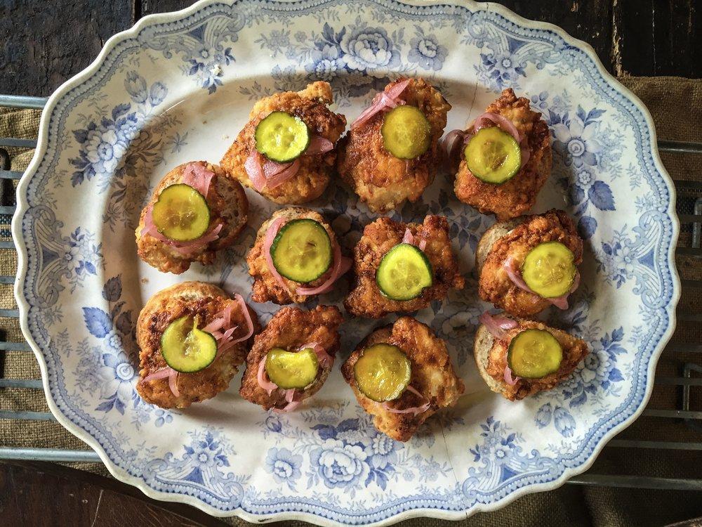 Hot chicken platter.JPG
