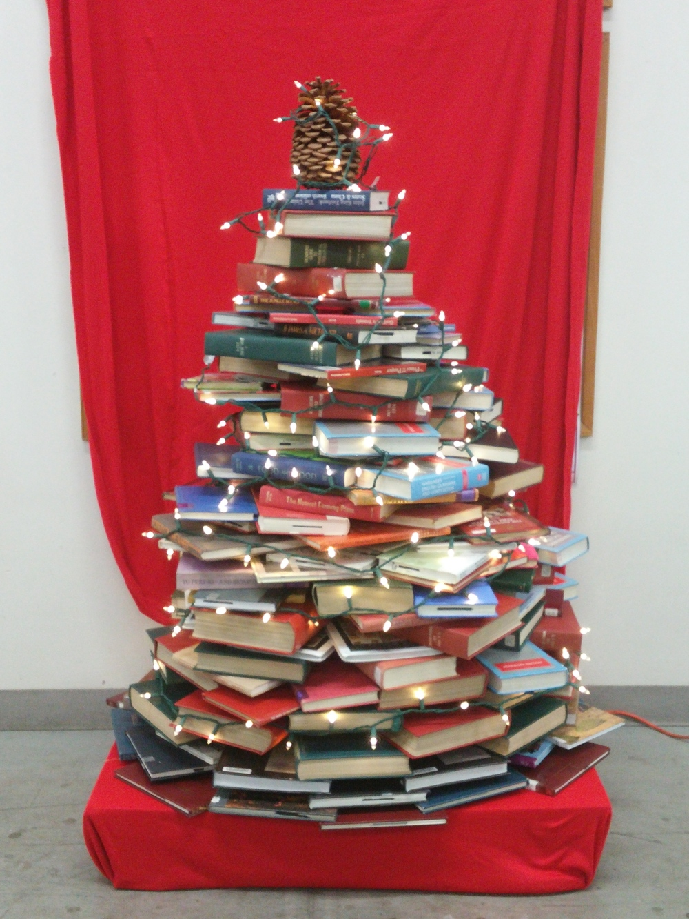 BNB 2015 Christmas Book Tree