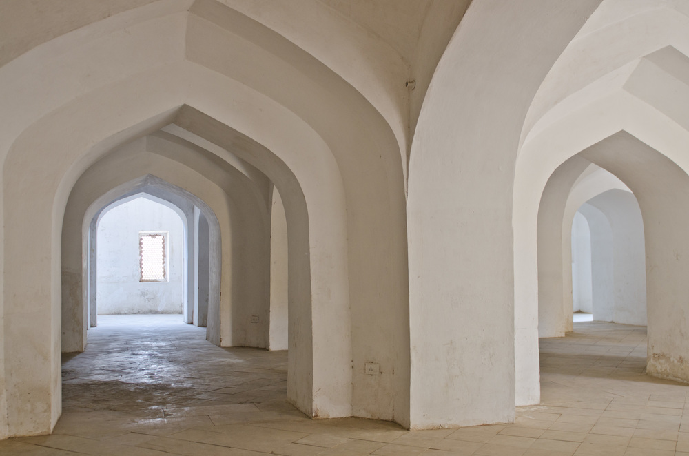 Elegant passages at the Amber Palace