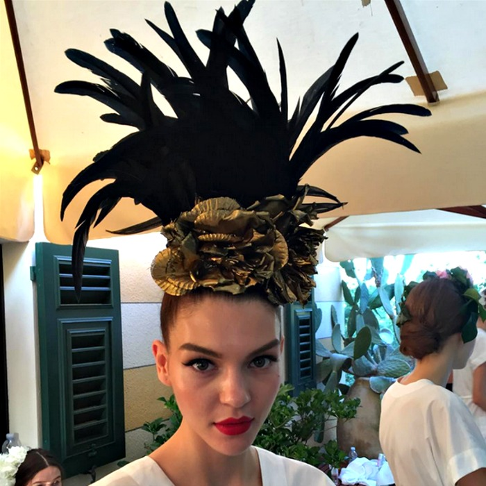 asids :     Backstage at Dolce & Gabbana Fall/Winter 2015 Couture
