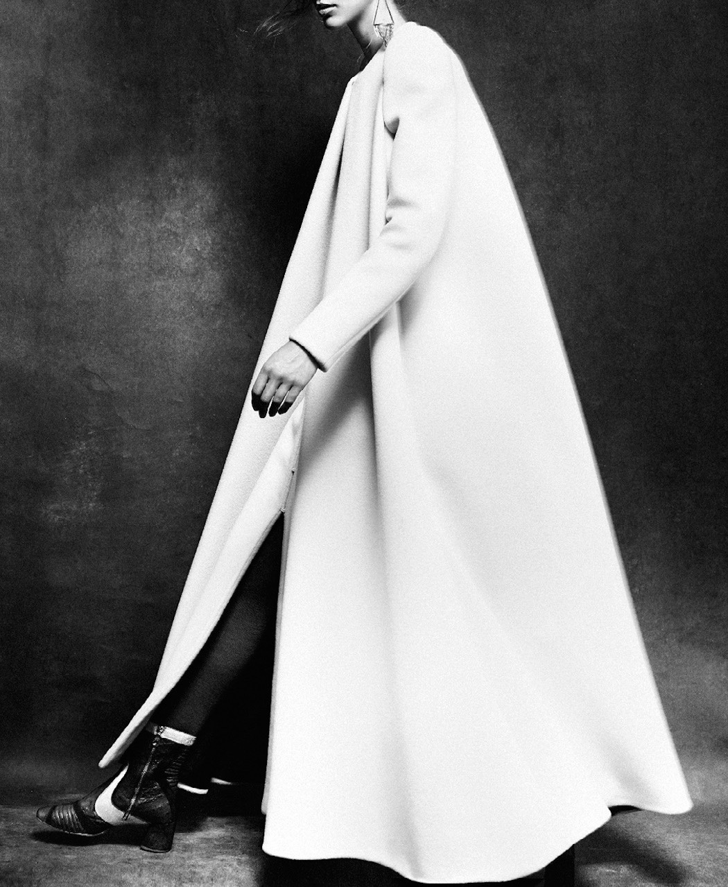 what-do-i-wear: from Vogue Netherlands of Alana Zimmer wearing a Delpozo coat,