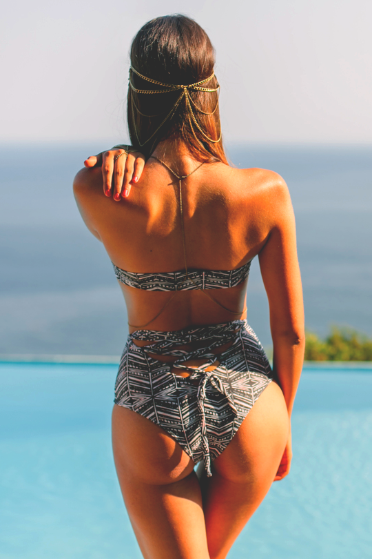 Women // Bums & Beaches © | Assured To Inspire