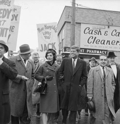 kennedyfascination: Jackie and Jack campaigning in 1960
