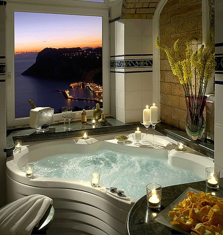 creativehouses: Magnificent bathroom with a view