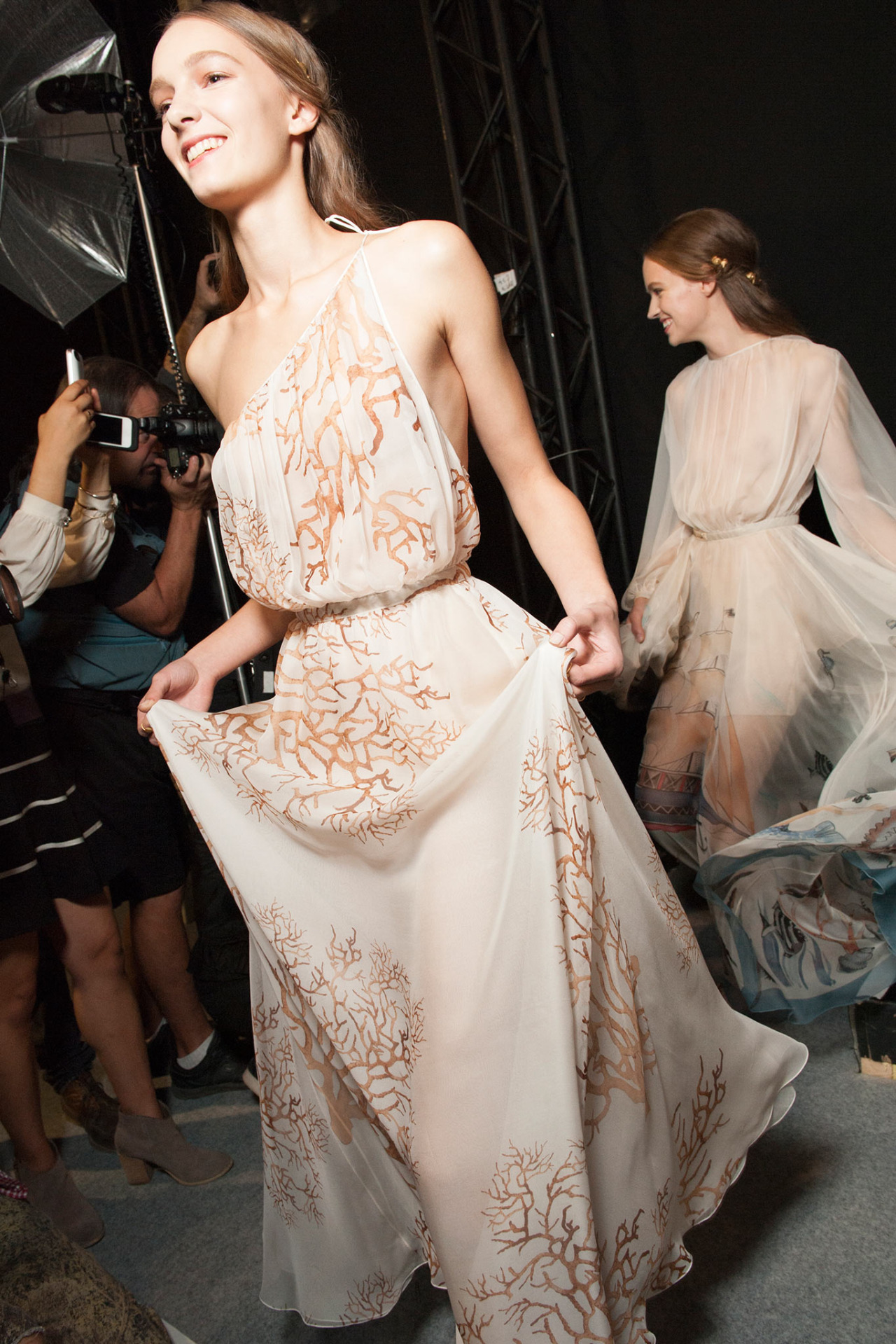 girlannachronism :     Valentino  spring 2015 rtw backstage