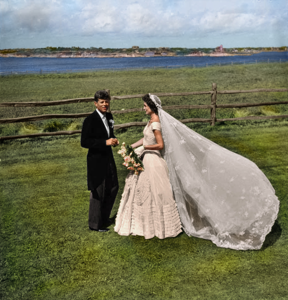 odetojohn: timelightbox: Photo colorization by Sanna Dullaway for TIME / Original Image by Toni Frissell / Library of Congress September 12, 1953. John F. Kennedy and Jacqueline Bouvier on their wedding day.  See more of Sanna Dullaway's eye-opening colorizations for TIME here on LightBox. Beautiful job…