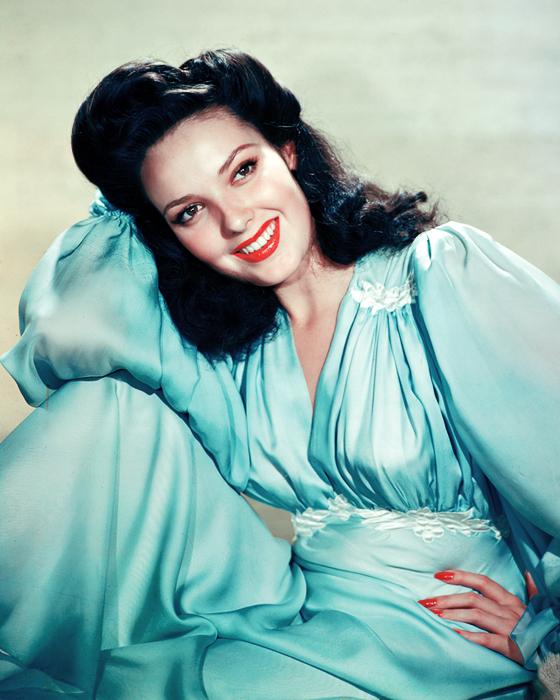 ladylikelady: Linda Darnell- c.1940s