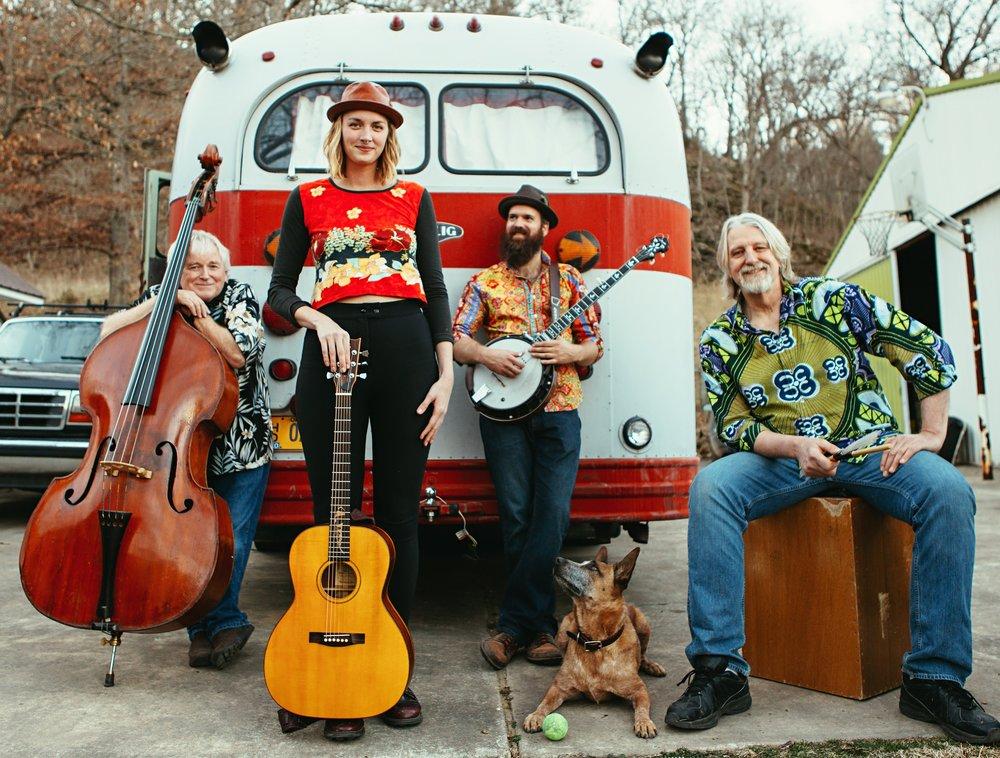 Dana-Louise-and-the-Glorious-Birds-Full-Band-Promo-Photo-1.jpg