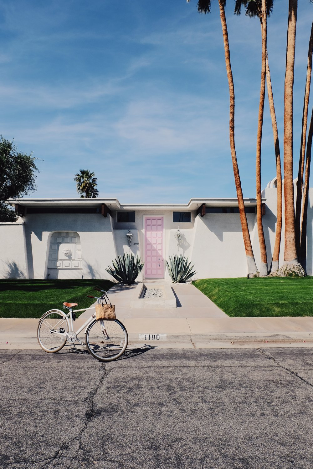 The Pink Door,Palm Springs Travel Guide