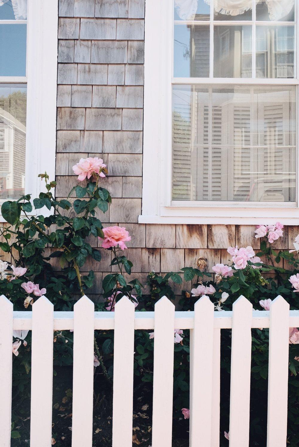 The Far & Near Travel Guide to Nantucket Dulci Edge