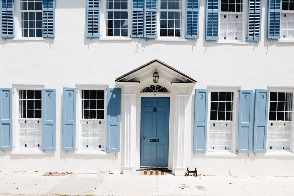 The Far & Near Travel Guide to Charleston by Dulci Edge