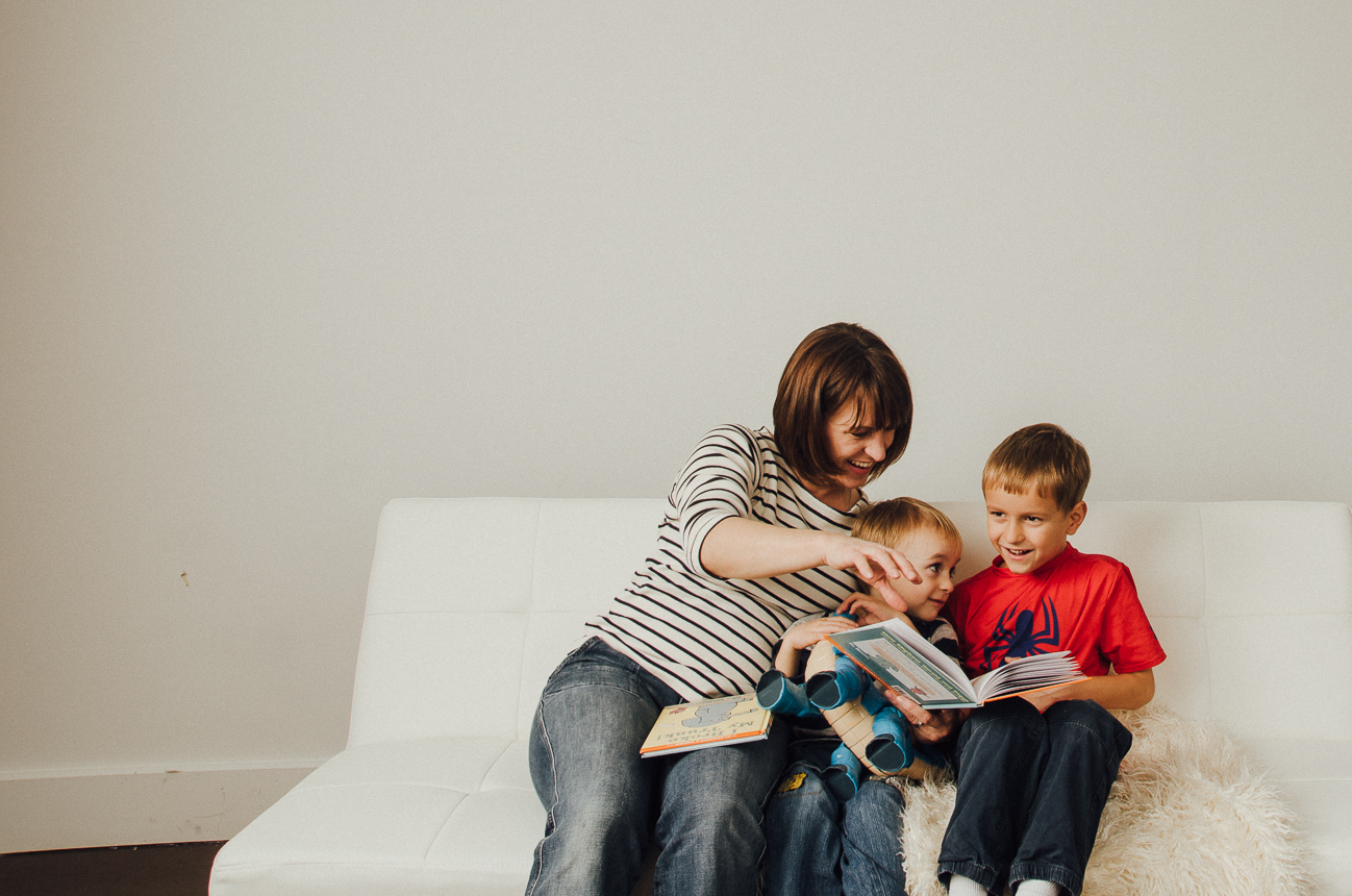mom and sons read books and play and indianapolis studio photography session