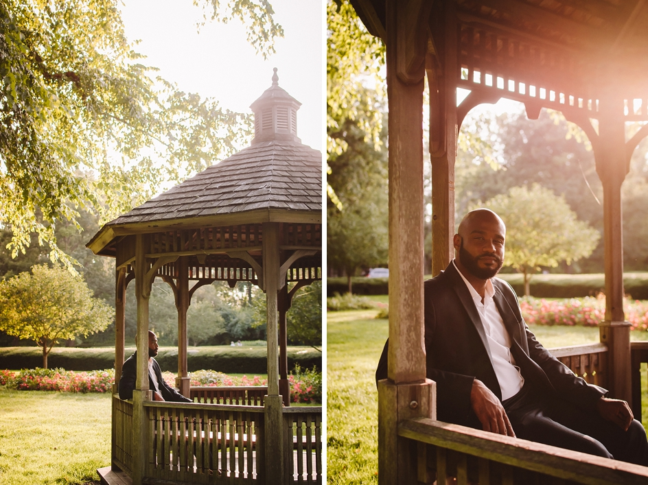 indianapolis engagement pictures at holcomb garden