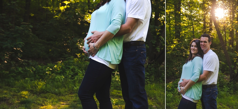 Sunset maternity photos of expecting parents.