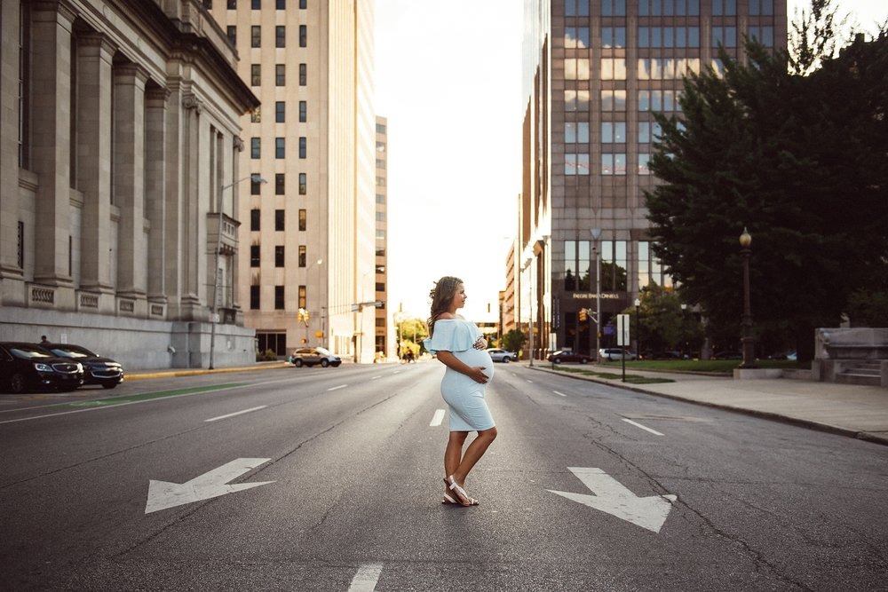 downtown indianapolis maternity photography