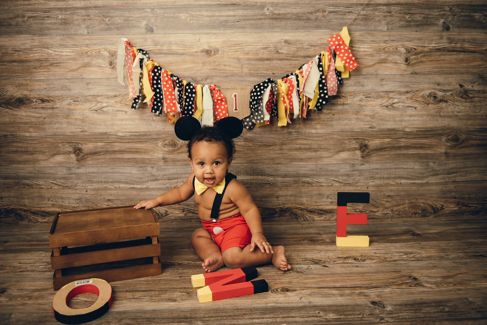 mickey mouse themed birthday party decorations