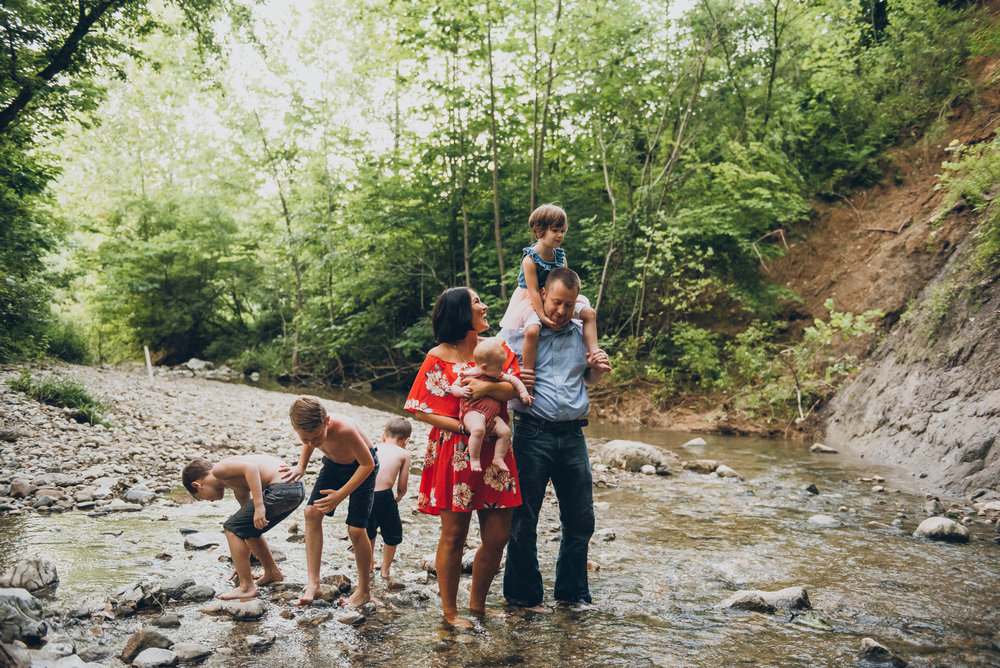 a sample of family photography by Ashlee Lauren Photo