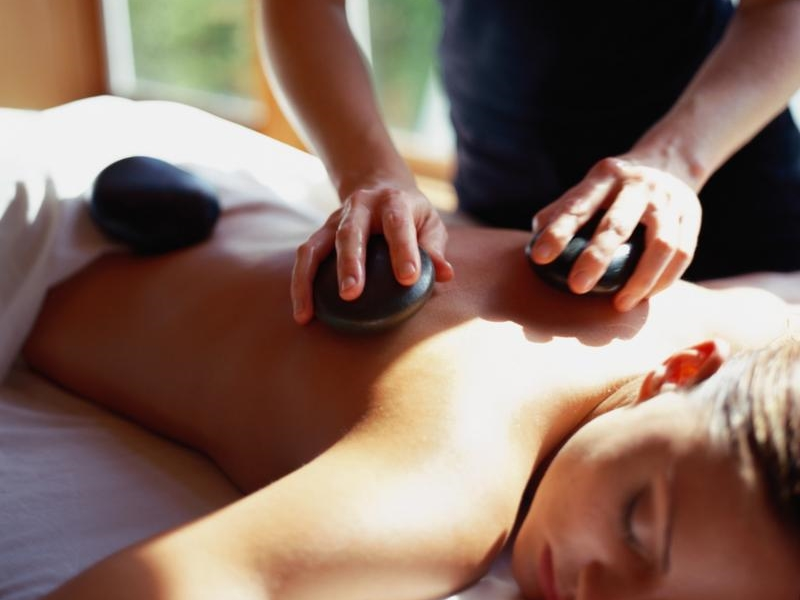 spokane-massage-hot-stone-deep-tissue