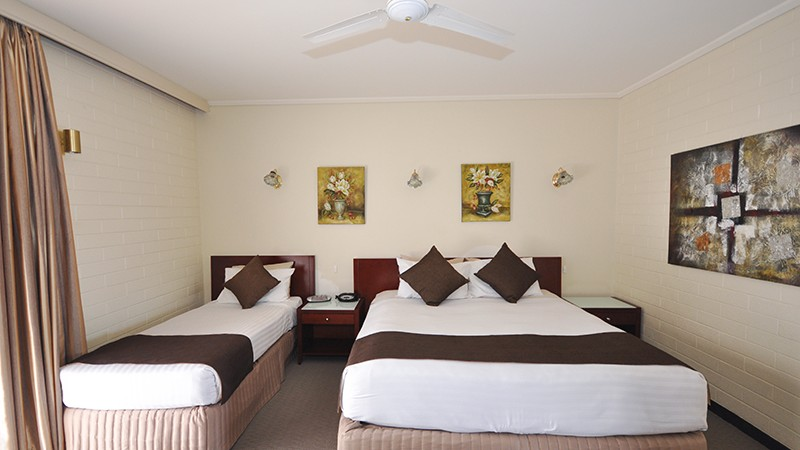 alexander_motel_whyalla_family_room