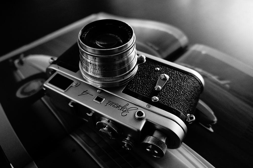 camera-690526_1280.jpg