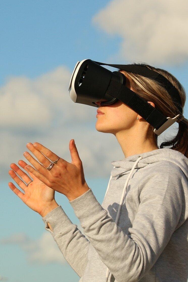 bureau estrée farida tir teerlinck VR brand agency