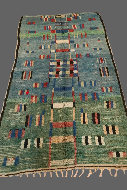 Ethnie : Boujad    Origine : Maroc    Année : 1980    Dimensions : 2,40 x 1,40    Technique :    Description :    Référence : BOU 002    Prix : 1600€