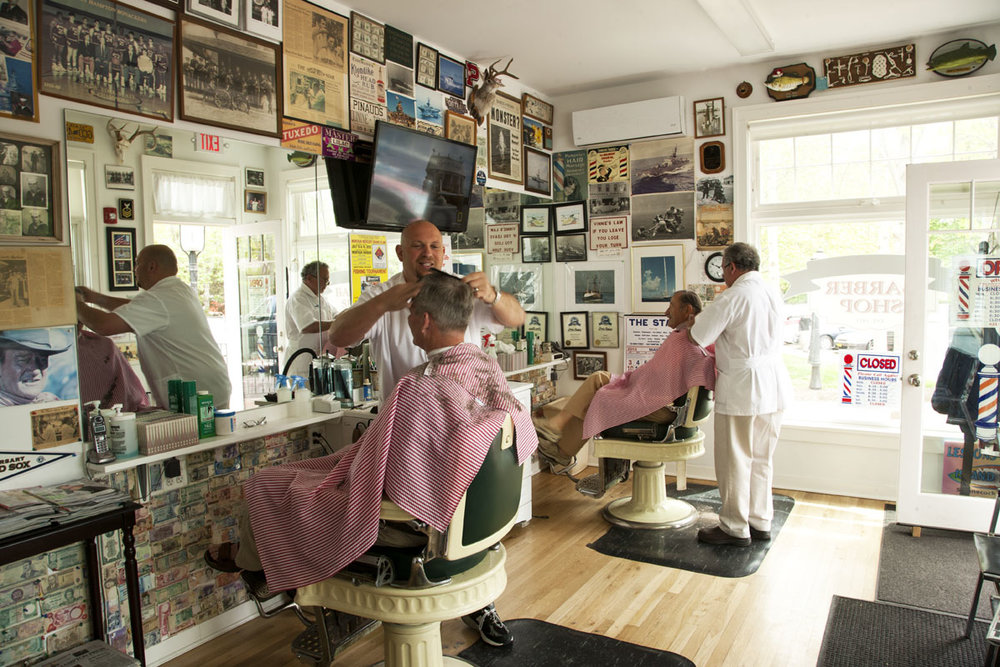 Hamptons_Amagansett_Square_Vinnies_Barber_Shop_03.jpg
