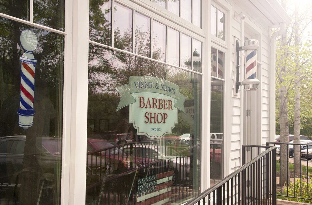 Hamptons_Amagansett_Square_Vinnies_Barber_Shop_05.jpg