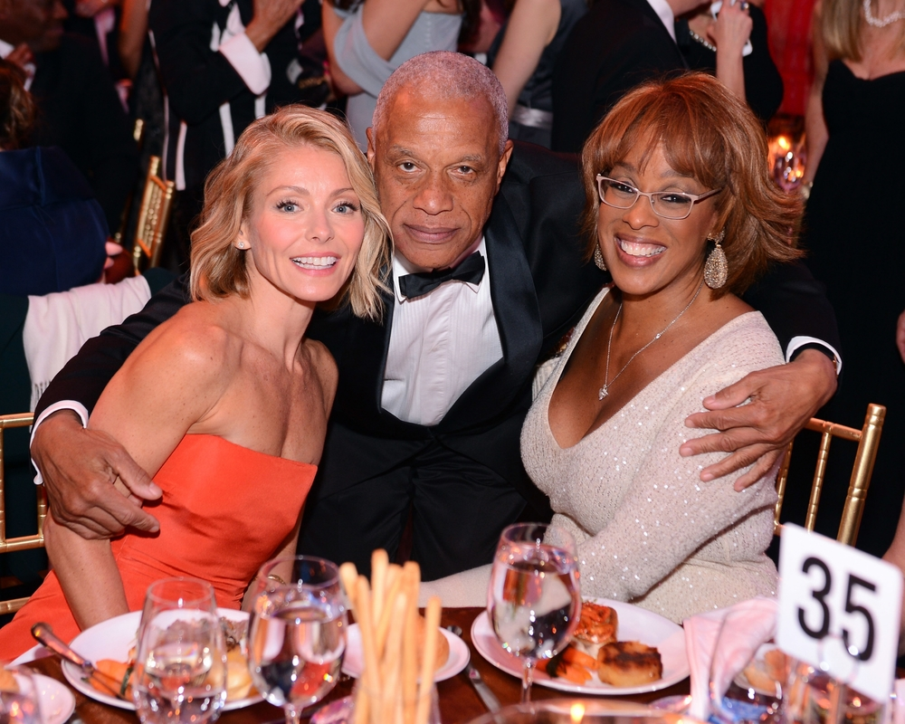 Kelly Ripa, Guest and Gayle King ©2014 Stephen Lovekin/Getty Images for UNICEF