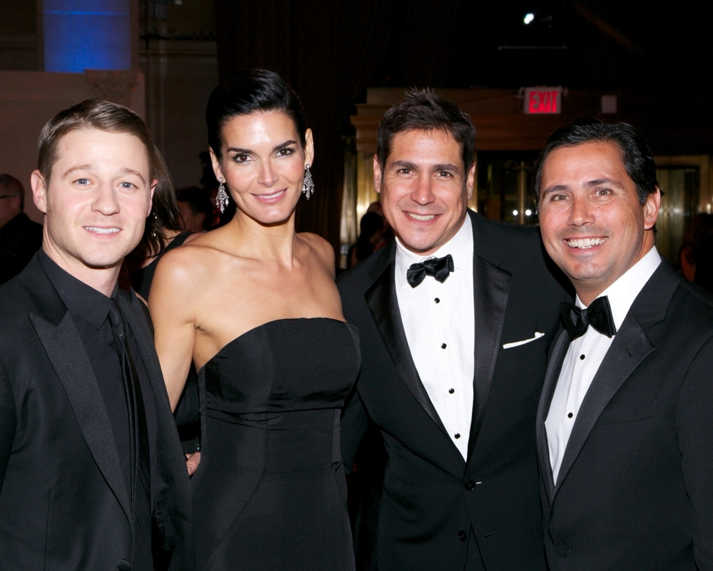 Ben McKenzie, UNICEF Ambassador Angie Harmon, Jaime Jiménez and guest © 2014 Julie Skarratt Photography Inc./U.S. Fund for UNICEF