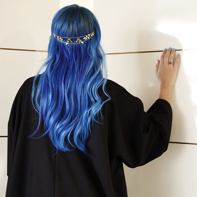Coming soon a Special Abaya shoot for @nawa3emcom #joellembc1 #bluehairdontcare #abaya #ramadan #shoot #photoshoot #hair @maisondejoelleofficial #extensions @beautyfullhairextensions #exclusive #maisondejoelle