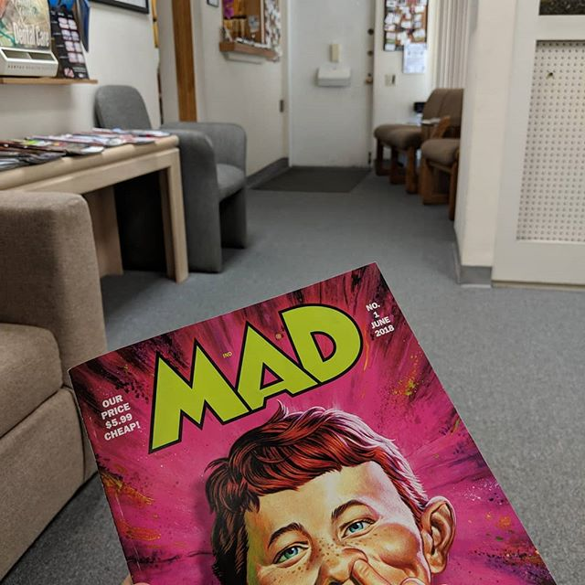 My dental hygienist called me from the waiting room much too soon. Lotta good #lastjedi burns in heeah. . .  My dentist effin rulz. Am I right @100soft ?? . @mad.magazine