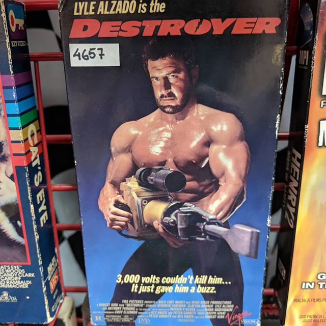 Also destroyer. @geoffgarlock and I remember the box well but neither of us saw it. And we agreed that's definitely not Lyle Alzado's body. @slashbackvideo @themysticmuseum