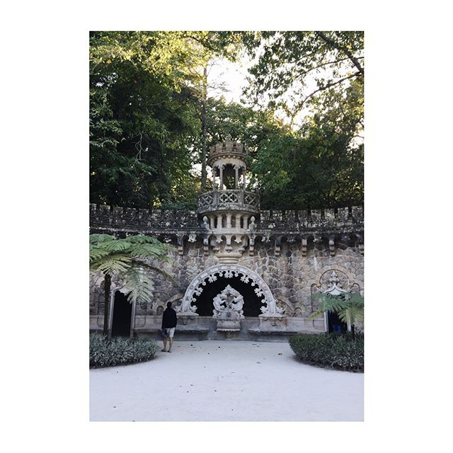 🇦🇫Quinta da Regaleira, Sintra A whimsical delight; including grottoes, a palace, well & chapel. All this set in a 4 hectare estate near Sintra, Portugal. Well worth a visit.