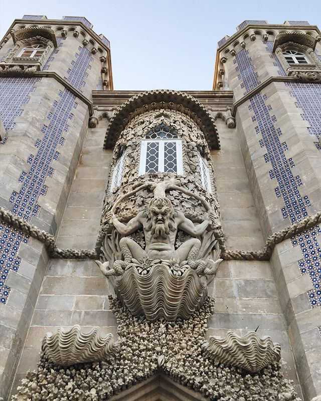 🇦🇫 Pena Palace, Sintra, October 2017 A welcoming entry way. 😋 There are incredible details all over the Romanticist castle, atop a hill in the Sintra Mountains. #exploreportugal