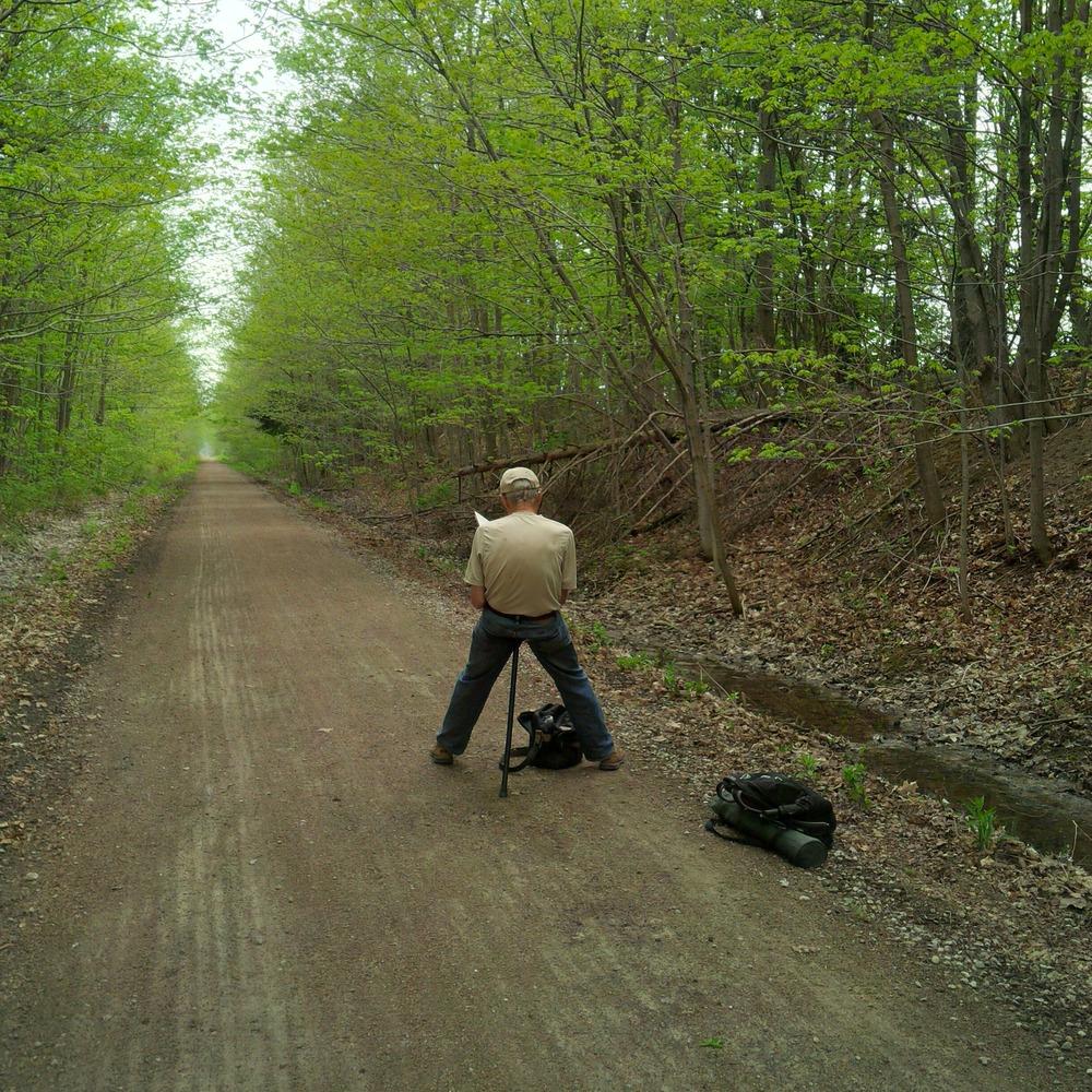 Gerard Brender  à Brandis sketching on the G2G Rail Trail