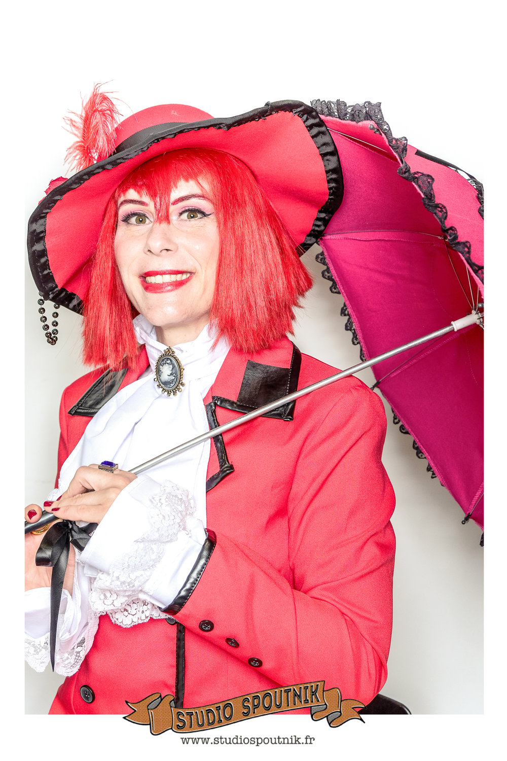 madame-red-costplay.jpg