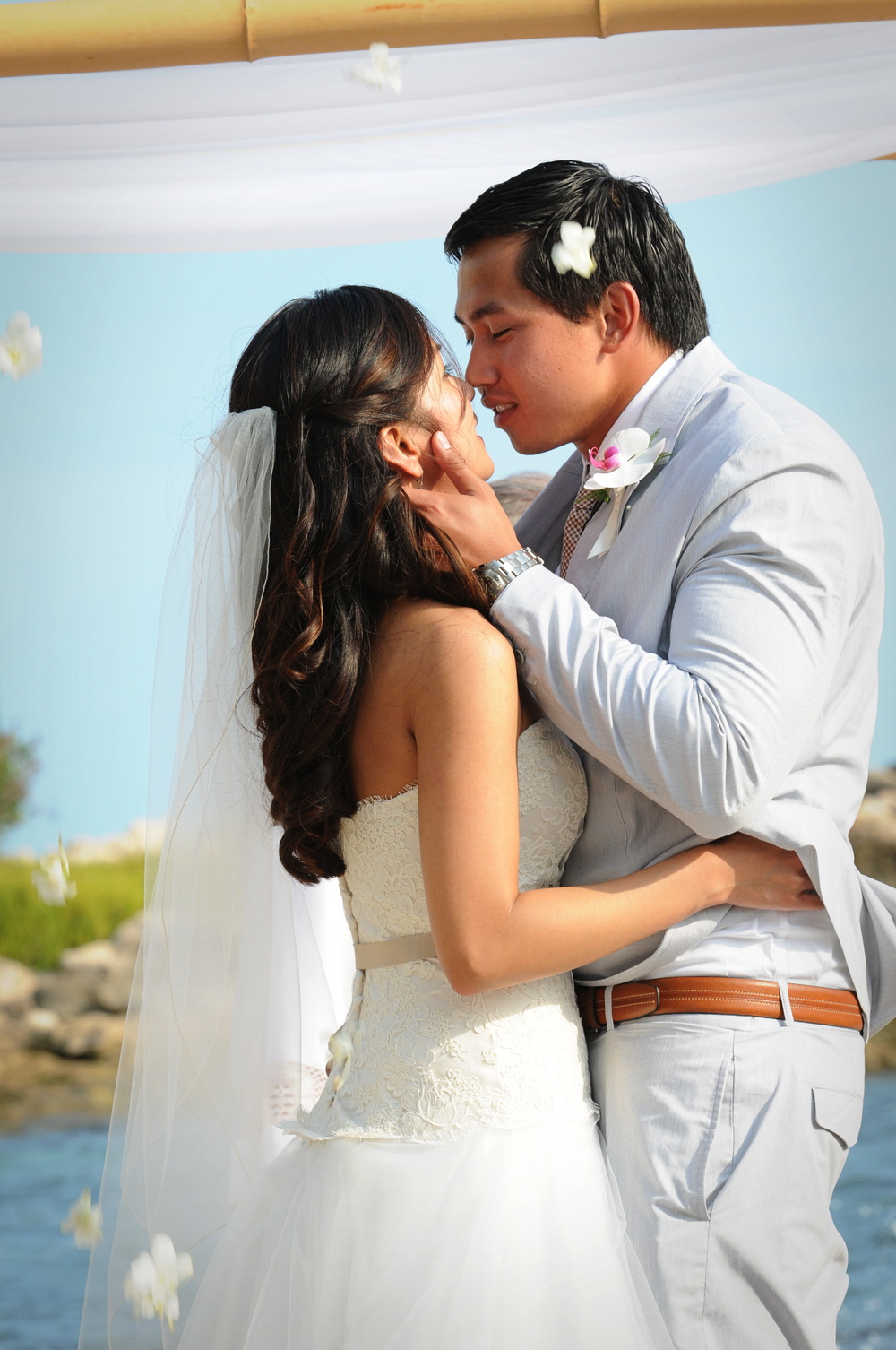 Lanikuhonua Hawaii Wedding | Oahu Destination Wedding Planner | Hawaii Oceanfront Wedding