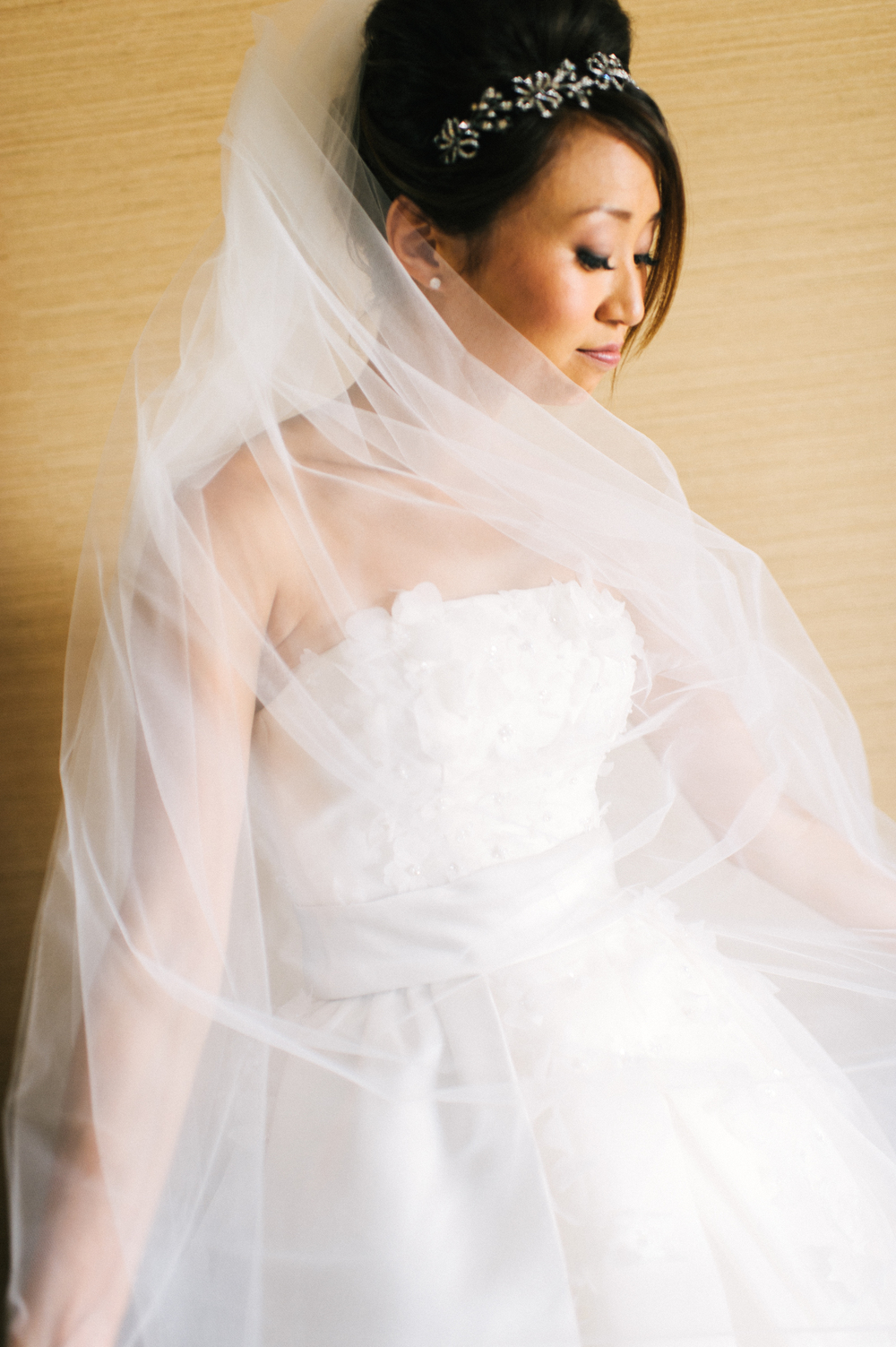 Michelle Garibay Events | Modern Vintage Hawaii Wedding | Oahu Destination Wedding | Couture Bride's Dress