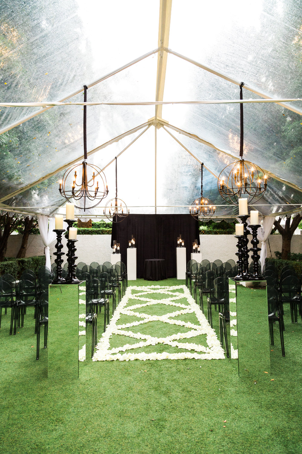 Modern Black and White Wedding at Avalon Palm Springs | Ashley La Prade Photography | Michelle Garibay Events