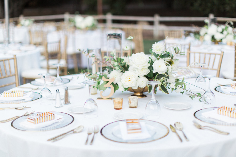 White and Gold Wedding | Jenna Joseph Phoography | Michelle Garibay Events