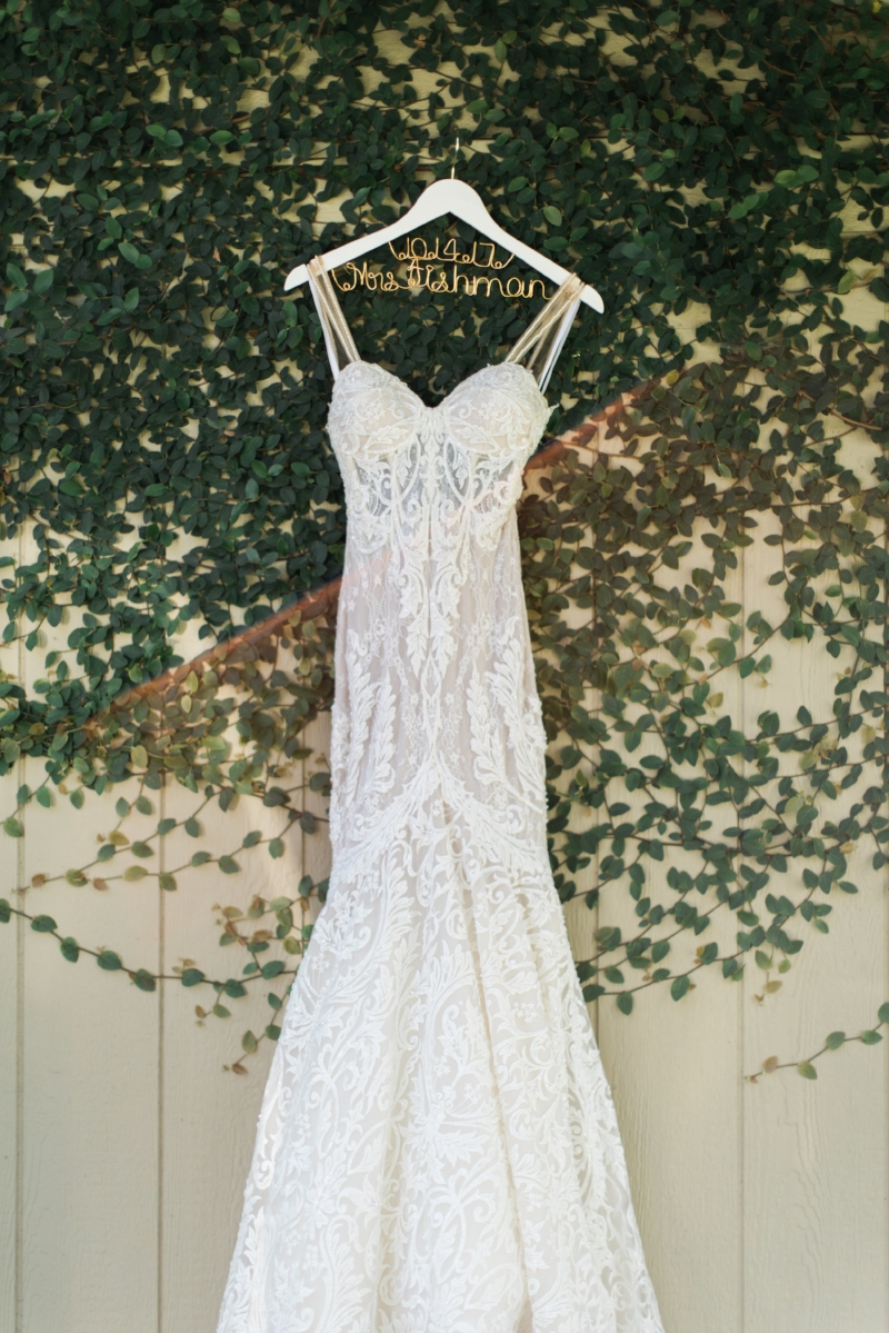 Glamorous Garden Wedding in White and Gold | Jenna Joseph Photography | Michelle Garibay Events | Temecula Creek Inn |