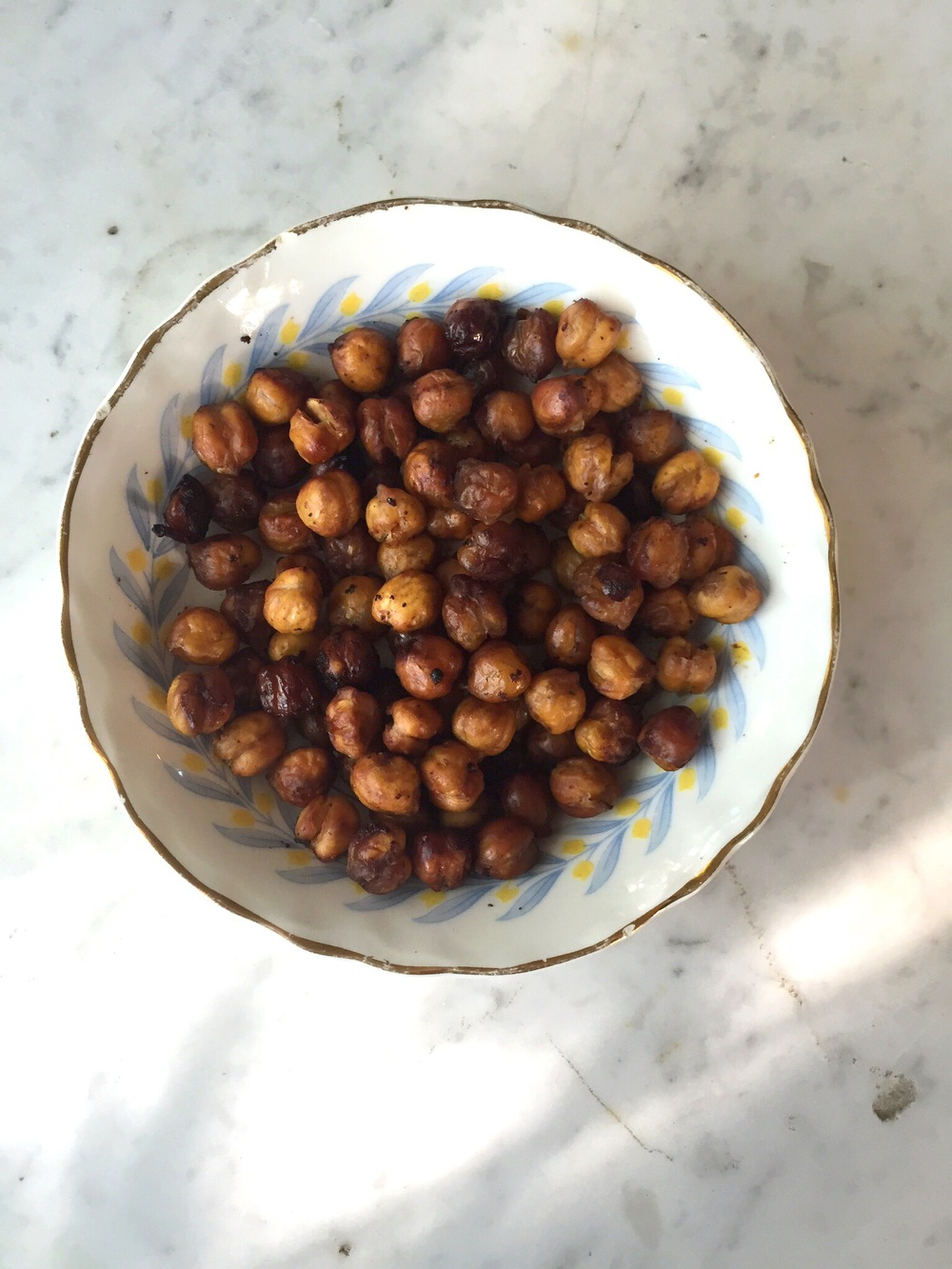 spicy soy roasted chickpeas