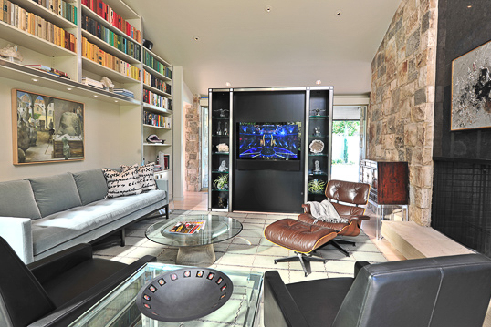 Surround sound in contemporary den in Dallas