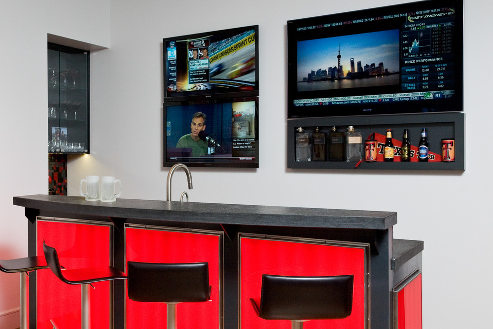Flat-Screens-Bar.jpg