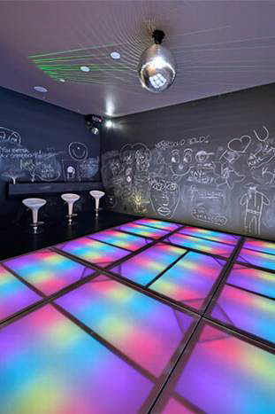 This disco provides hours of fun for the family and teenage friends.