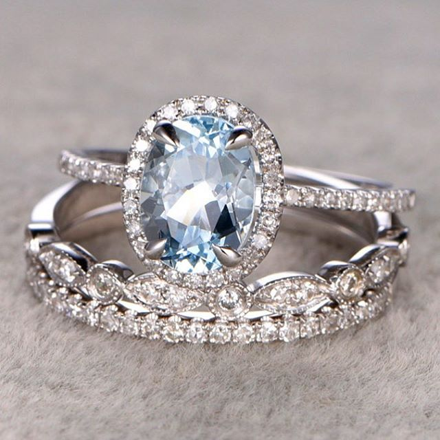 Absolutely in LOVE with this gorgeous aquamarine bridal set. #diamondsareboring