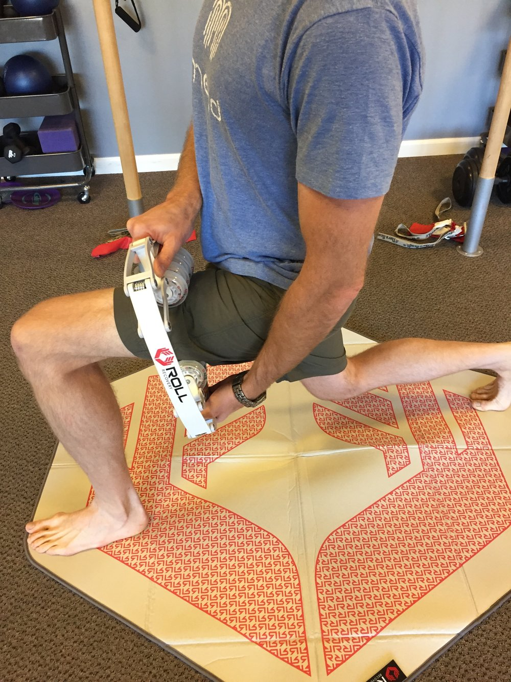 quadricep-quad-hamstring-foam roller-soft tissue mobilization